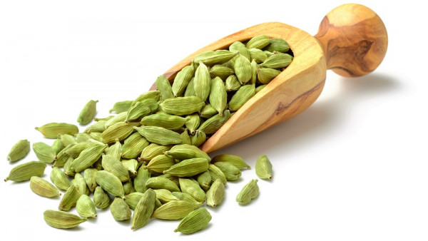 Buy Choti Elaichi - Kudrat Kart 1Kg Green Cardamom at Low Price in India